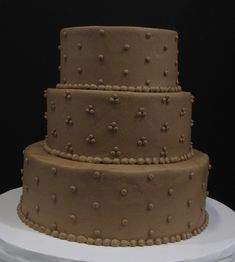 Chocolate buttercream iced tiers with chocolate dots Traditional Wedding Cakes, Chocolate Buttercream, Dots, Desserts, Stitches, Tailgate Desserts, Deserts, Postres, Dessert