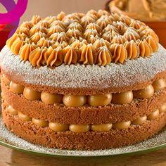 o Bolo Churros - Fornecido por Gastrolândia Köstliche Desserts, Delicious Desserts, Yummy Food, Sweet Recipes, Cake Recipes, Dessert Recipes, Naked Cake, Just Cakes, Diy Cake