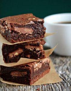 Le brownie extra-fondant encore tout chaud (sans beurre et sans farine)