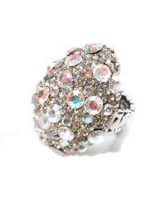 EGG-SHAPED RHINESTONE RING