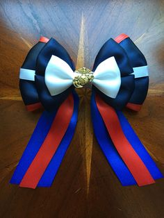 I had a request for bows that resembled the United States Military uniforms and flags... So far I have completed the Marine Corps dress blues. This bow is undecorated but these bows can be completely custom, all of the metals will be hand painted and Swarovski crystals.  Thank you for your service!  #supportourtroops #marines #marinecorps #dressblues #eagleglobeandanchor #semperfi #usmc #unitedstatesmilitary #unitedstatesmarinecorps #handmade #custom #missmaeganbowtique #hairbow #hairbows…