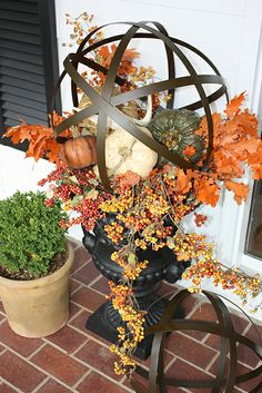Beautiful Fall planters with metal orbs Fall Containers, Succulent Containers, Container Flowers, Container Plants, Garden Urns, Garden Planters, Fall Planters, Fall Arrangements, Autumn Decorating