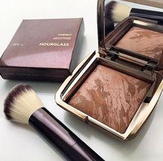 Hourglass Ambient Lightening Bronzer - Sneak Peak / I Heart Beauty Kiss Makeup, Love Makeup, Makeup Inspo, Makeup Art, Makeup Inspiration, Beauty Makeup, Makeup News, Beauty Nails, Hourglass Makeup