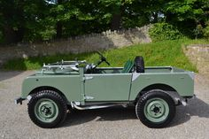 """Land Rover Series 1 80"""" 1948 MY Silver Chassis Ken Wheelwright Restoration (DNL 48) - Williams Classics"""