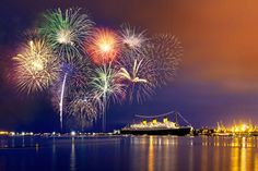 Learn to Take the Best Fireworks Photos