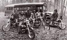 Harley is a way of life. Hd Vintage, Vintage Biker, Harley Davidson Chopper, Harley Davidson Motorcycles, Biker News, Biker Photos, Bike Rally, Old School Chopper, Old School Vans