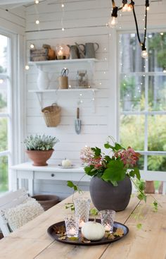 Sommarbacka Shed Interior, Potting Tables, Romantic Homes, Romantic Cottage, Garden Studio, Farms Living, Scandinavian Living, Cottage Style, White Cottage