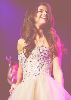 Selena Gomez in NY! I LOVE this dress!!
