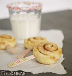 "Cinnamon buns made from quark oil dough - Cinnamon rolls – ""I bake myself"" from quark oil dough and tell you the just t winners! Sweets Cake, Cookie Desserts, Dessert Recipes, Fudge Caramel, Cake Candy, Sweet Bakery, Eat Dessert First, Food Humor, Cakes And More"