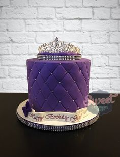 Purple quilted cake with a tiara on top - Birthday Cake Vanilla Ideen 18th Birthday Cake Designs, 40th Birthday Cake For Women, 15th Birthday Cakes, Cake Pink, Purple Cakes, Royal Cakes, Birthday Cake Crown, Quilted Cake, Tiara Cake