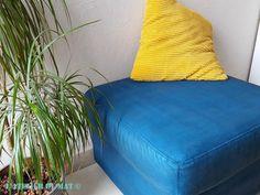 Peindre un siège, un canapé, un pouf en velours c'est possible et ce n'est pas compliqué ! Découvrez les étapes pas à pas, le matériel pour y arriver. Rien de bien difficile, juste un peu de peinture et un médium textile sont nécessaires. C'est un projet DIY à la portée de tous.