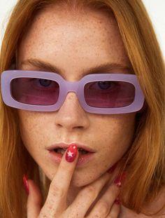 Victoria Secrets, Yellow Clothes, Cool Glasses, Fashion Eye Glasses, Trending Sunglasses, Purple Aesthetic, Cute Jewelry, Sunnies, Eyewear