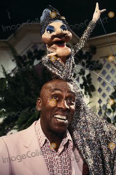 Photo: Globe Photos Inc. 1982 Scatman Crothers with Wayland and Madame Paul Winchell, Scatman Crothers, Shari Lewis, Charlie Mccarthy, Ventriloquist Doll, Howdy Doody, Punch And Judy, Archie Andrews, Celebrity Pictures