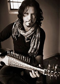 One of my Fave Guitar Players of all time! The gorgeous, Made in Canada and underrated -Jeff Martin The Guess Who, Party Rock, Cool Guitar, Music Love, My Favorite Music, Cool Bands, Music Artists, Tea Party, Beautiful People