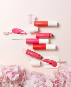 The innisfree 2017 Jeju Colour Picker collection features beauty products such as colour correctors, liquid blushes and multi-coloured highlighters! Cute Beauty, Beauty Care, Makeup Vault, Color Picker, New Cosmetics, Beauty Makeup Tips, Makeup On Fleek, Innisfree, Makeup Photography
