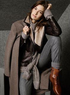 Fotos del catálogo Massimo Dutti noviembre 2014: fotos de la nueva colección de invierno con cazadoras de cuero, parkas, cuello vuelto, trajes y...
