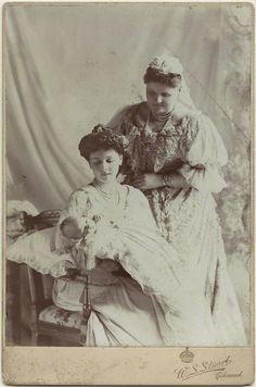 princess alice countess of athlone -with her child and her mother