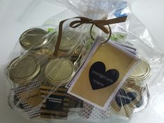 DIY overnight oats gift pack with custom labels and printable recipe cards.