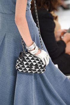 Chanel purse at Paris Spring 2016 (Details)