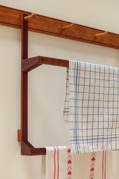Home/ Shakermöbel, Shaker furniture Furniture Styles, Home Furniture, Furniture Design, Diy Rustic Decor, Rustic Farmhouse Decor, Style Shaker, Shaker Furniture, Modern Craftsman, Natural Home Decor