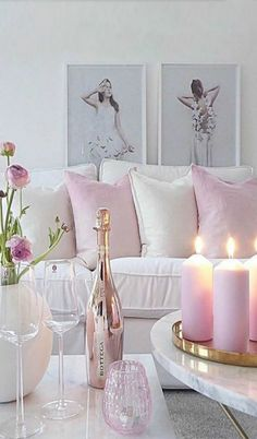 Shabby Chic Pink Sofa Ideas to Brighten Up Your Living Room 26 Pastel Room Decor, Pastel Living Room, Pink Living Rooms, Blush Living Room, Living Room Designs, Living Room Decor, Romantic Living Room, Romantic Home Decor, Cozy Living