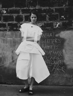 """"""" ' Walk Through The Fire ' Anouk de Heer con el estilo de Sonia Chedli y maquillaje de Juliette Abila Thomas por Clément Louis ph. """""""