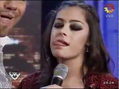 Larissa Riquelme besos y presentador lame con ropa transparente - lambe e beija apresentador…