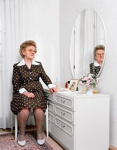 Mutter Schuhe by Nina Roder - There is something slightly surreal about the photo series titled Mutter Schuhe by Nina Roder, a photographer born in Neuendettelsau, Germany. Hall Of Mirrors, Photo Series, Trends, Photos, Pictures, Street Photography, Photography Ideas, Fotografia, Photography
