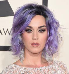 Katy Perry é uma das adeptas das cores pastéis nos fios