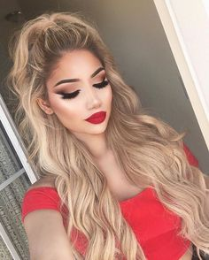 Beautiful hair curls and big hairdo #hairinspiration #bighairdontcare