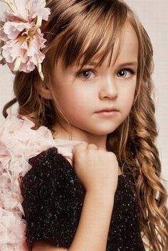 that awkward moment when a 6 year old is prettier than you'll ever be...