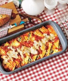 Creamy Spinach-and-Ricotta Manicotti recipe