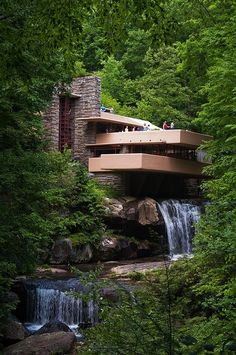 Falling Water House Over Waterfall built by Architecture, Frank Lloyd Wright in Beautiful Architecture, Art And Architecture, Futuristic Architecture, Falling Water Frank Lloyd Wright, Frank Lloyd Wright Homes, Beautiful Homes, Beautiful Places, Beton Design, The Places Youll Go