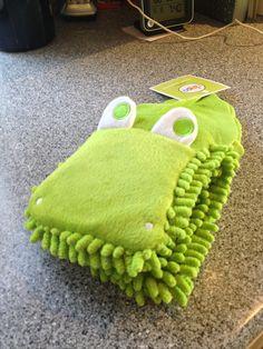 Crocodile wash puppet