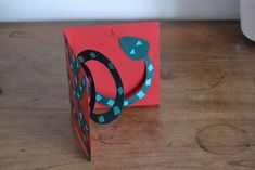 carte pop up serpent Invitation Pop Up, Invitations, Serpent, Pop Up Cards, Crafts For Kids, Presents, Make It Yourself, Simple, Voici
