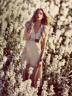 Y como hoy estamos un poco románticas... queremos compartir con vosotr@s este boho white dress http://15colgadasdeunapercha.com/2013/04/23/15-must-haves-for-ss-13/  Because today we're a bit romantic... we want to share with you this boho white dress http://15colgadasdeunapercha.com/2013/04/23/15-must-haves-for-ss-13/