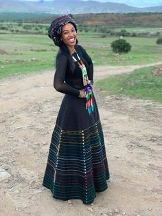 South African Dresses, South African Traditional Dresses, African Print Dresses, African Fashion Dresses, Traditional Outfits, African Wedding Attire, African Attire, African Wear, African Inspired Fashion