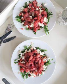Salade met stoofperen, spek en geitenkaas