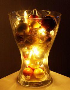 Diy weihnachten deko gro es glas dekorieren mit zauberwatte f llwatte als schnee kugeln oder - Glas mit kugeln dekorieren ...