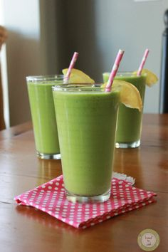 Tropical Green Monster Smoothie: (my version): 1.25 cups of pineapple 1.5 cup of water 2 cups organic baby spinach leaves 2 tsp stevia