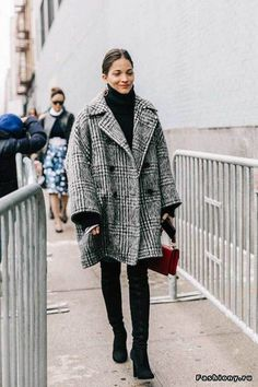 24 tips for your winter outfit in New York City - 24 Tips For Your Winter Outfit New York City – New York Winter Outfit # - Source by york Winter fashion Looks Street Style, Looks Style, New York Winter Outfit, Fashionista Trends, Chic Winter Outfits, Winter Dresses, Dress Winter, Winter Clothes, Winter Looks
