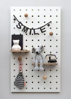 Swiss born, London based designer Nikki Kreis, Founder of studio Kreisdesign, has updated the archetypal pegboard with her innovative Peg-it-all range. Pegboard have long been the go-to practical storage solution for studios and workspaces. Pegboard Ikea, Pegboard Storage, Pegboard Nursery, Monochrome Nursery, Small Shelves, Hanging Storage, Kid Spaces, Small Spaces, Kids Decor