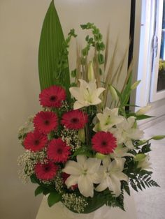 It's nice flowers arrangement for delivery. http://www.unny.com