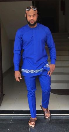 African Male Suits, African Dresses Men, African Attire For Men, African Clothing For Men, African Shirts, African Wear, Nigerian Men Fashion, African Print Fashion, Afrocentric Clothing