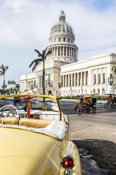 Yellow vintage car, Havana - Read the ultimate travel guide here: http://www.ohhcouture.com/2016/08/havana-travelguide/ #ohhcouture #leoniehanne