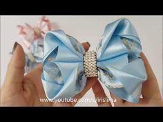 Laço De Fita Cetim - Laço Mil Faces Mônica - DIY PAP TUTORIAL - YouTube Ribbon Art, Ribbon Hair Bows, Diy Hair Bows, Diy Ribbon, Ribbon Crafts, Kanzashi Tutorial, Hair Bow Tutorial, Felt Headband, Baby Headbands