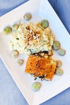 Fylld ugnsbakad lax med fetaost och spenat - Landleys Kök Swedish Recipes, Lchf, Risotto, Seafood, Food And Drink, Low Carb, Fish, Snacks, Dinner