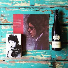 Dylan on Dylan on Dylan - Blood on the Tracks (1975) to be exact. A revealing peek into an undefinable character and thoroughly enjoyed with a 2014 riesling by Petaluma. #cheers  . . . . . #sipsnsounds #hifi #music #vinyl #audiophile #recordcollection #record #nowspinning #33rpm #onmyturntable #lp #wine #vino #instawine #riesling #bobdylan #dylan #book #flatlay #knolling #bondi #bondibeach via Audiophiles on Instagram - Best Sound Quality Audiophile Headphones and High-Fidelity Premium…