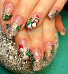 50 Easy and Eye-catching Christmas Nail Designs Nails Cute Christmas Nails, Xmas Nails, Red Nails, Hair And Nails, Christmas Snowman, Red Christmas, Fancy Nails, Cute Nails, Pretty Nails