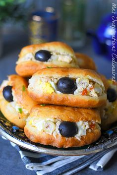 Ramadan Recipes 95847 Tunisian Fricassees, recipe without egg # Tunisian Food, Mini Hamburgers, Egg Free Recipes, Bread Recipes, Ramadan Recipes, Easy Smoothie Recipes, Arabic Food, Mediterranean Recipes, International Recipes